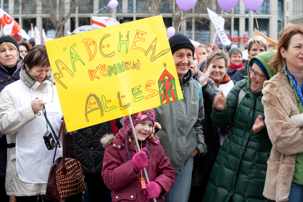 c-Bettina-Frenzel-frauendemo2011_wien-_20000frauen2